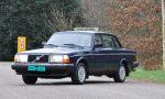 OpenRoad_Classic_Cars_Volvo_240GL_B230F_Blauw (2)