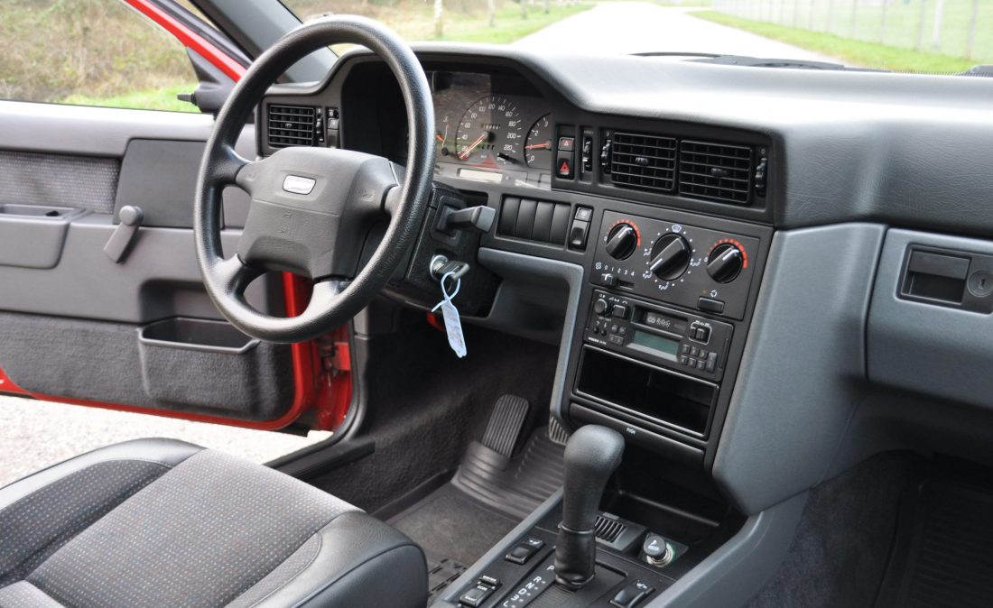 OpenRoad_Classic_Cars_Volvo_850_aut_rd (16)
