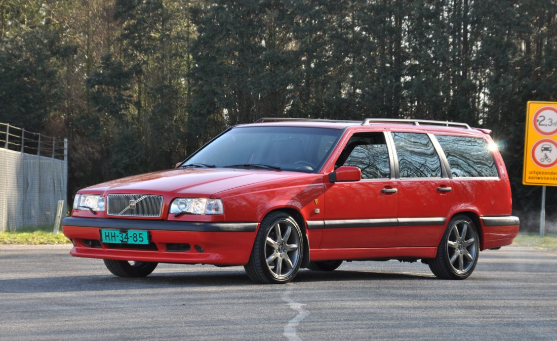 OpenRoad_Classic_Cars_Volvo_850_T-5R_Station (2)