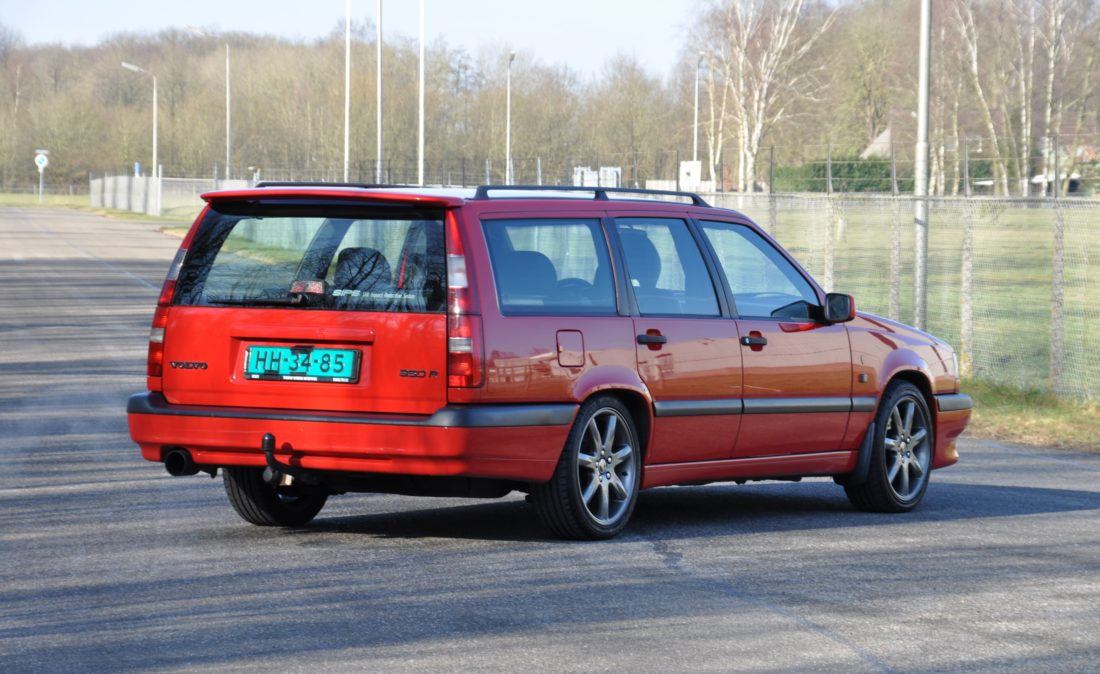 OpenRoad_Classic_Cars_Volvo_850_T-5R_Station (4)