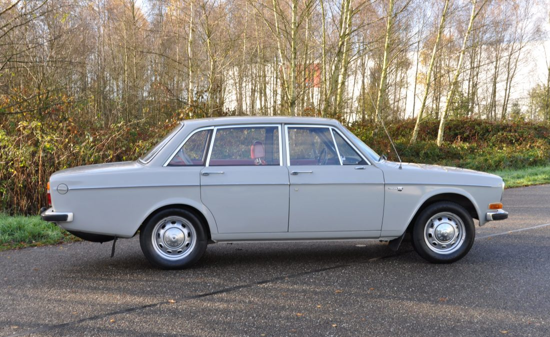 OpenRoad_Classic_Cars_Volvo_144_De_Luxe_B20 (12)