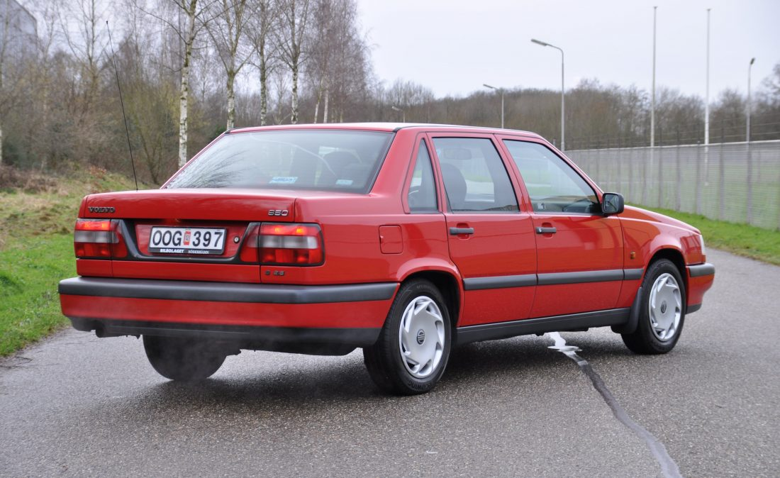 OpenRoad_Classic_Cars_Volvo_850_aut_rd (8)