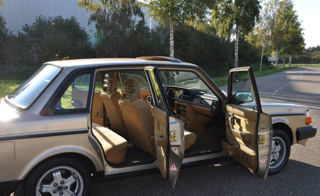 OpenRoad_Classic_Cars_Volvo_240GLT_B230F_116PK (10)