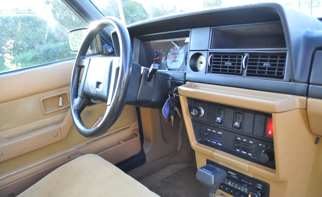 OpenRoad_Classic_Cars_Volvo_240GLT_B230F_116PK (15)