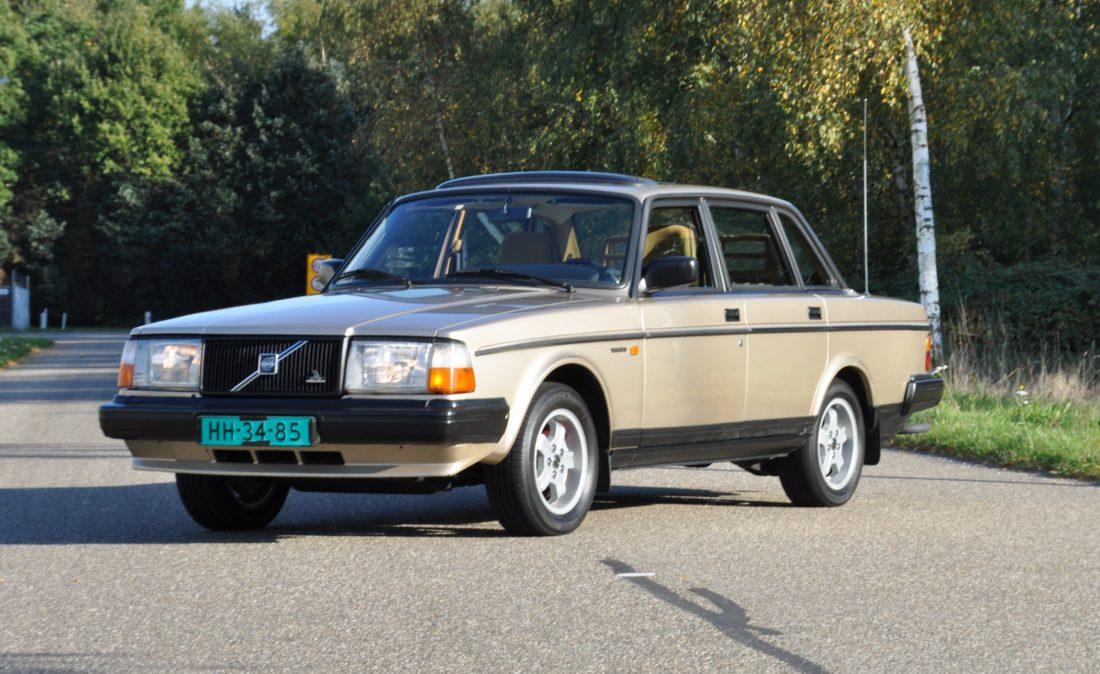 OpenRoad_Classic_Cars_Volvo_240GLT_B230F_116PK (2)