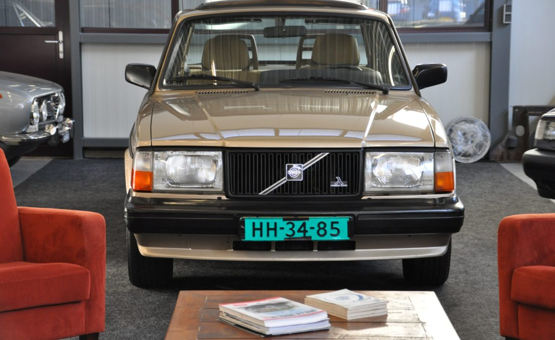 OpenRoad_Classic_Cars_Volvo_240GLT_B230F_116PK (27)