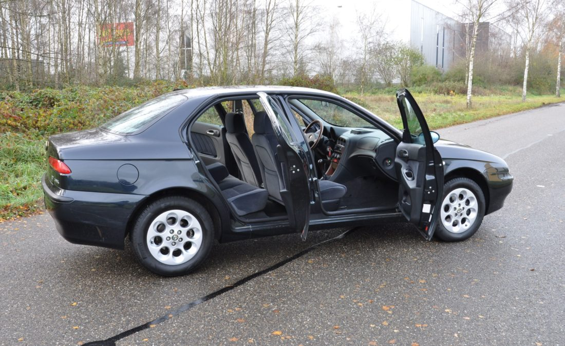 OpenRoad_Classic_Cars_Volvo_Alfa_156_TS (11)