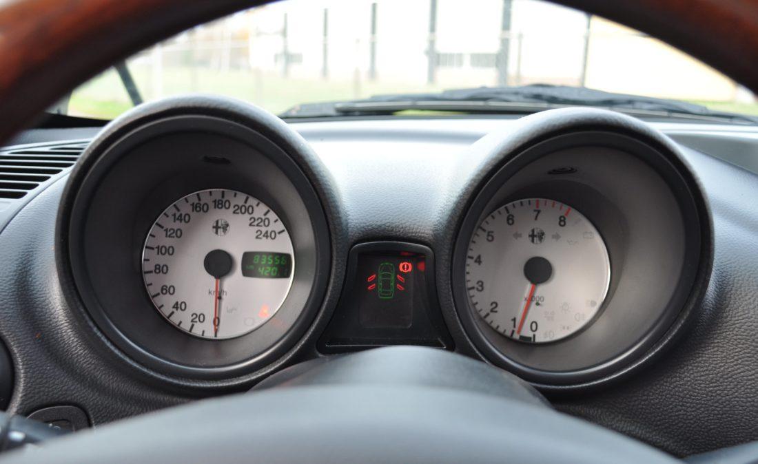 OpenRoad_Classic_Cars_Volvo_Alfa_156_TS (18)