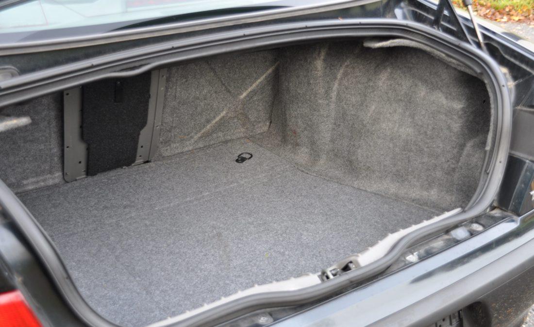 OpenRoad_Classic_Cars_Volvo_Alfa_156_TS (22)