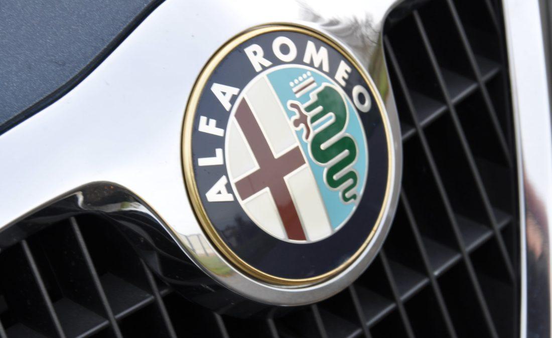 OpenRoad_Classic_Cars_Volvo_Alfa_156_TS (26)