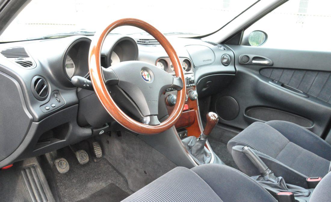 OpenRoad_Classic_Cars_Volvo_Alfa_156_TS (8)