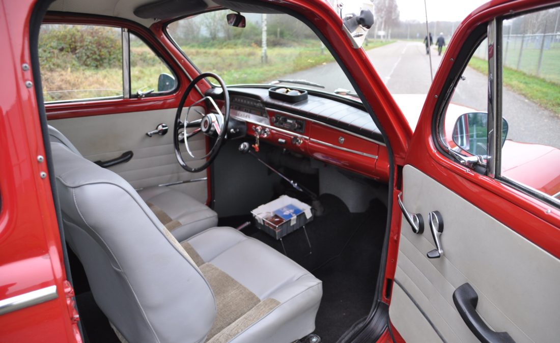 OpenRoad_Classic_Cars_Volvo_PV544Sport (7)