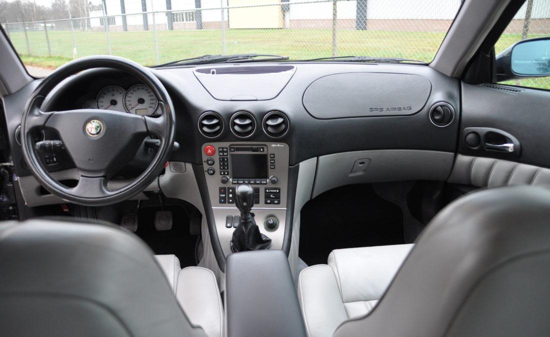 OpenRoad_Classic_Cars_Alfa166_V6 (11)