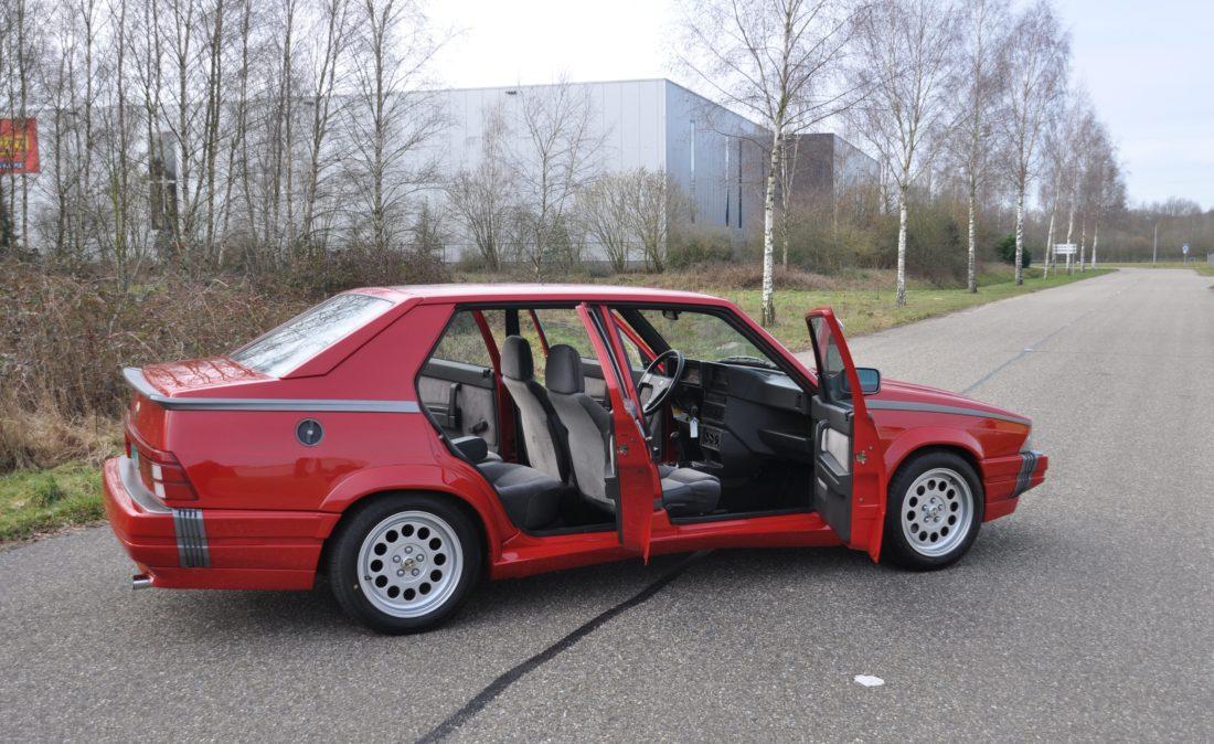 OpenRoad_Classic_Cars_Alfa75_3 (15)