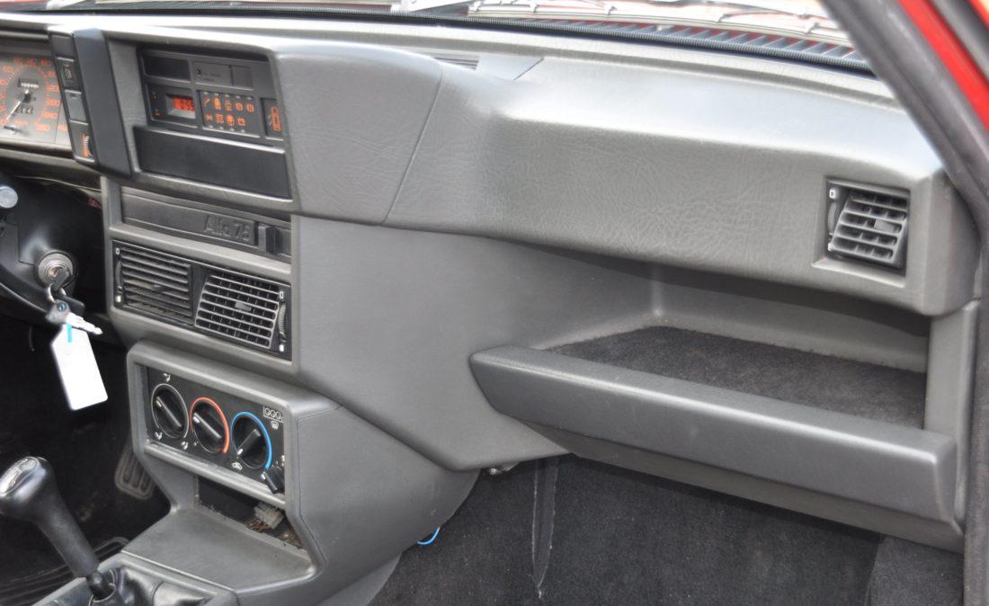OpenRoad_Classic_Cars_Alfa75_3 (23)