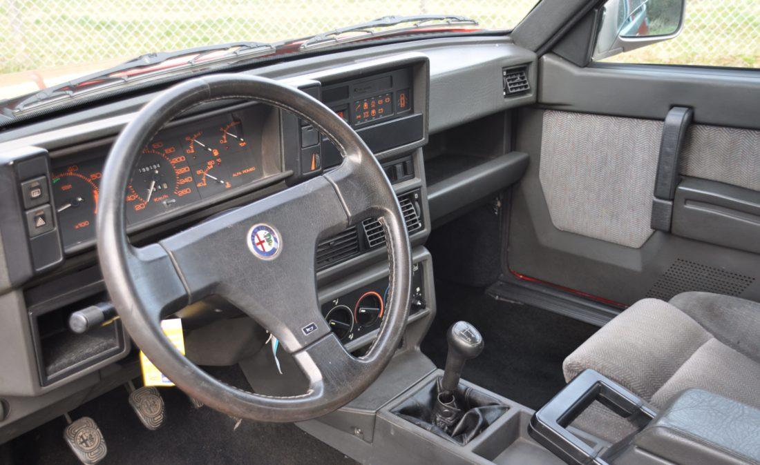 OpenRoad_Classic_Cars_Alfa75_3 (9)
