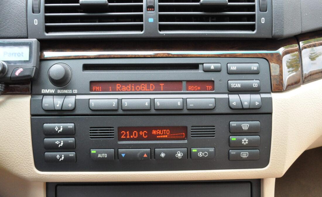 BMW_328i_E46_OpenRoad_Classic_ Cars 1 (17)