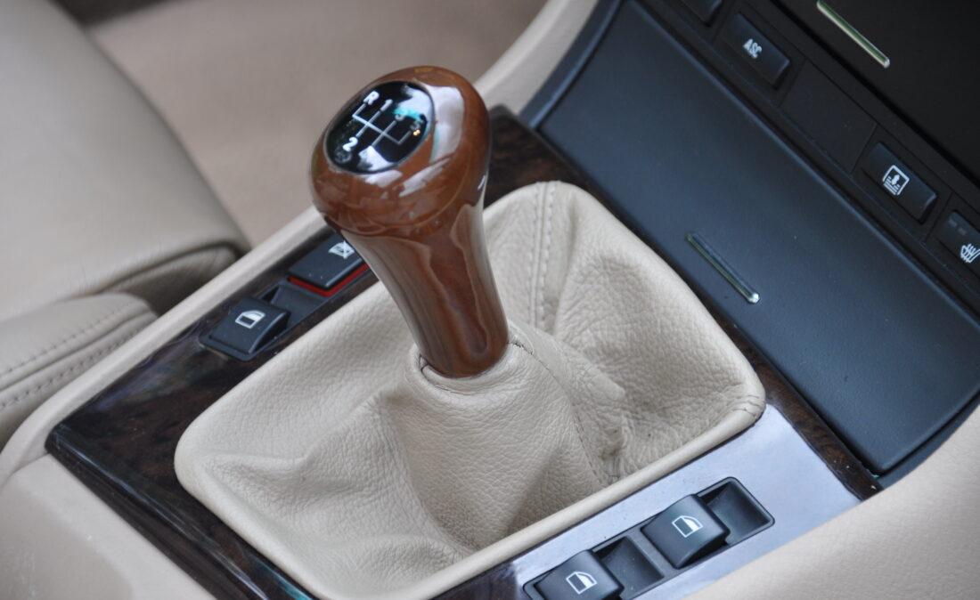 BMW_328i_E46_OpenRoad_Classic_ Cars 1 (18)