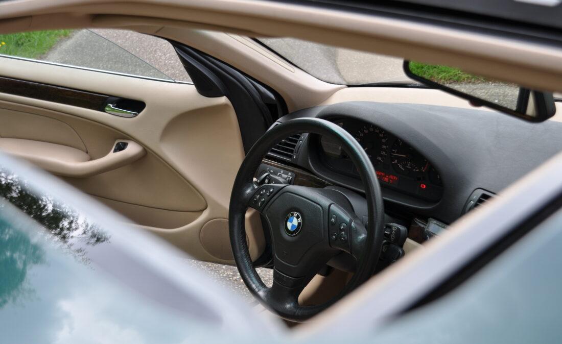 BMW_328i_E46_OpenRoad_Classic_ Cars 1 (20)