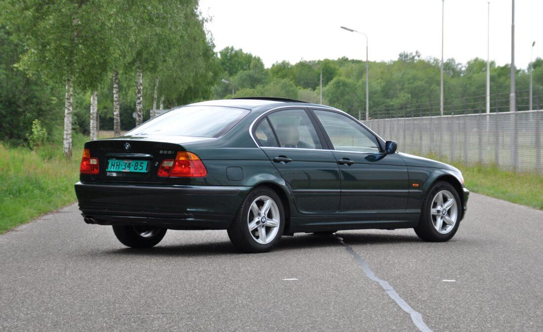 BMW_328i_E46_OpenRoad_Classic_ Cars 1 (4)