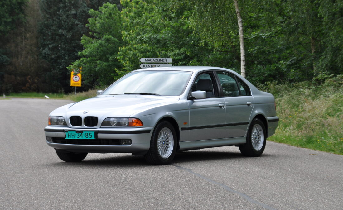 BMW_523i_E39_OpenRoad_Classic_Cars (1)