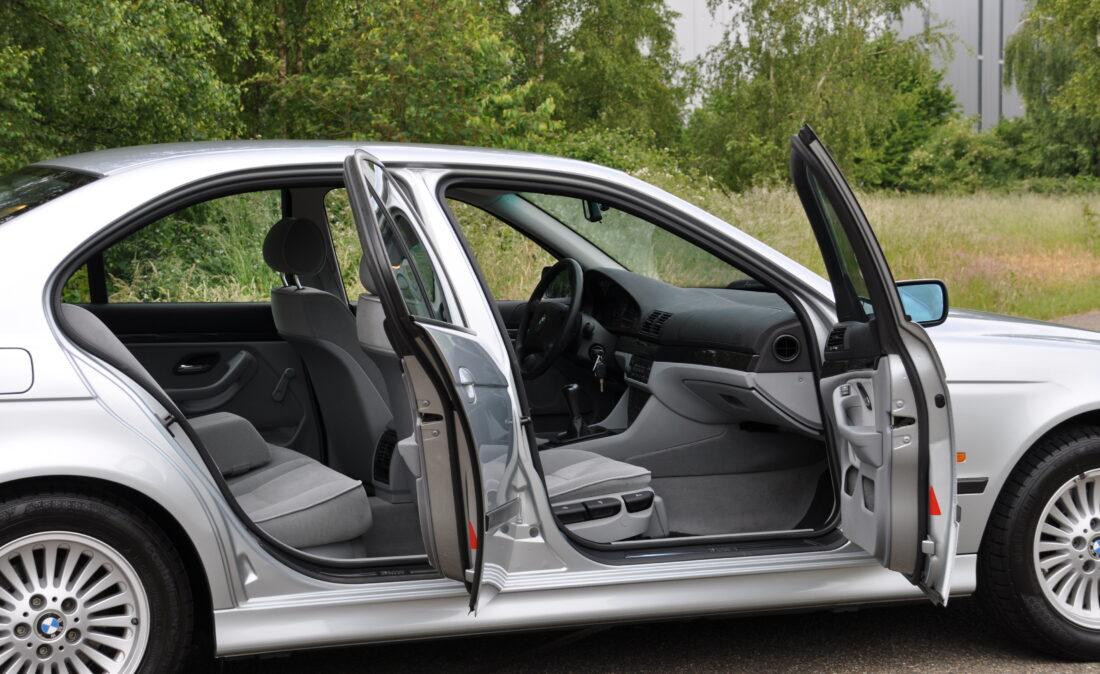BMW_523i_E39_OpenRoad_Classic_Cars (14)