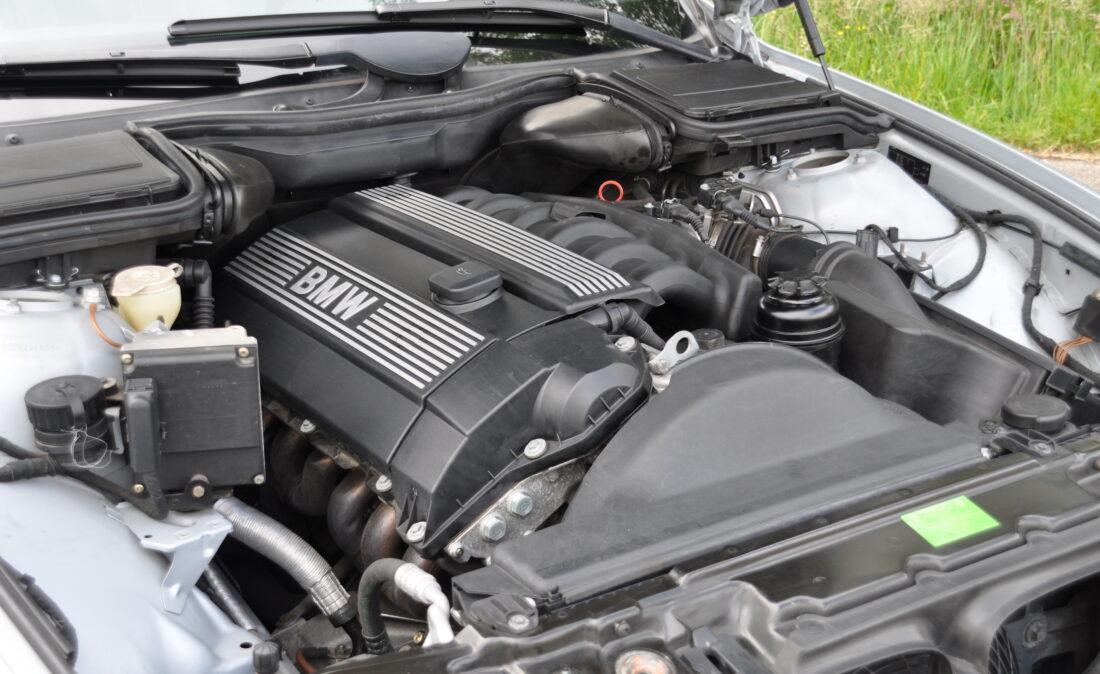 BMW_523i_E39_OpenRoad_Classic_Cars (20)