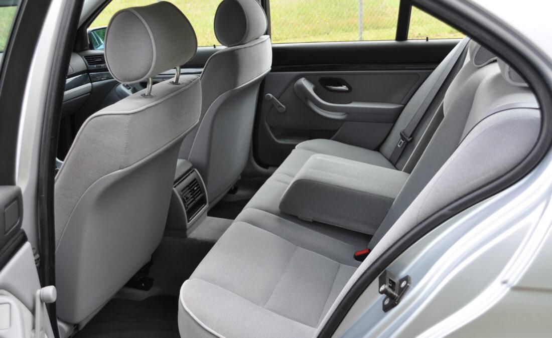 BMW_523i_E39_OpenRoad_Classic_Cars (9)
