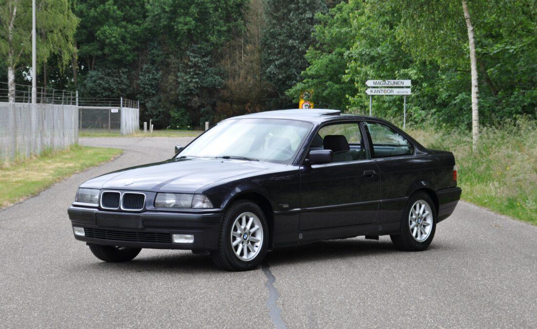 OpenRoad_Classic_Cars_BMW_E36_320i_Coupe (A1) (1)