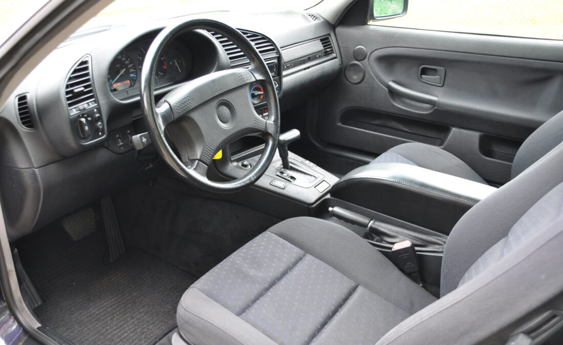 OpenRoad_Classic_Cars_BMW_E36_320i_Coupe (A1) (6)