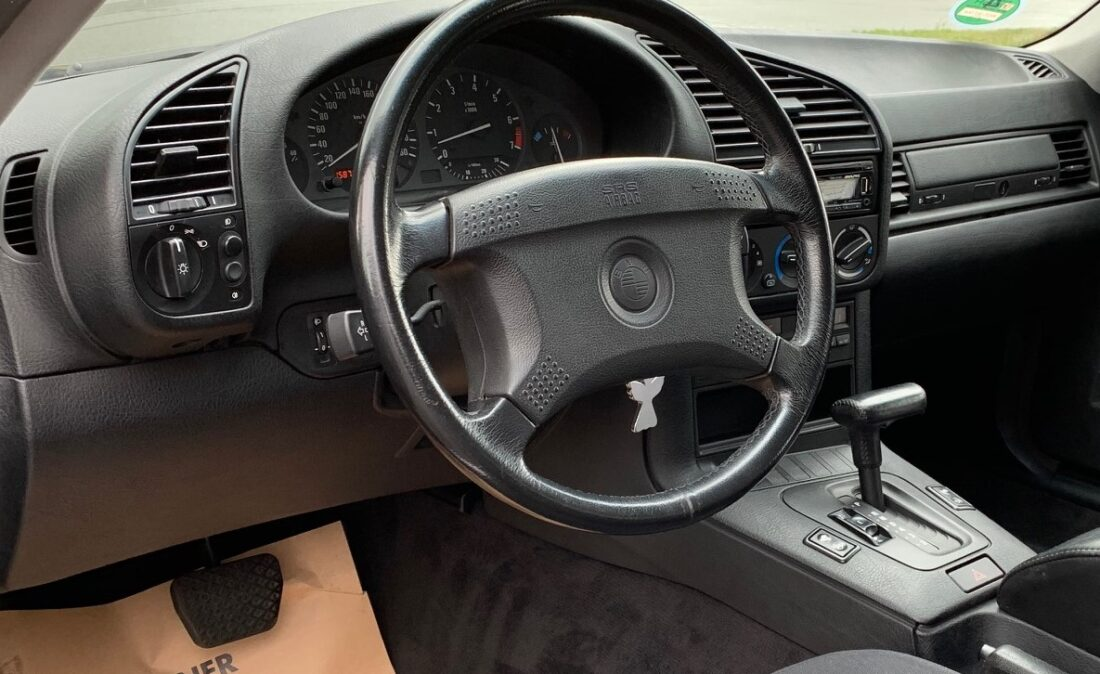 OpenRoad_Classic_Cars_BMW_E36_320i_Coupe (A1) (7)
