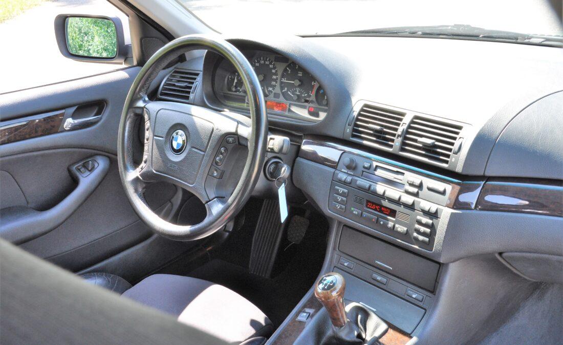 OpenRoad_Classics_Cars BMW E46_318i (15)