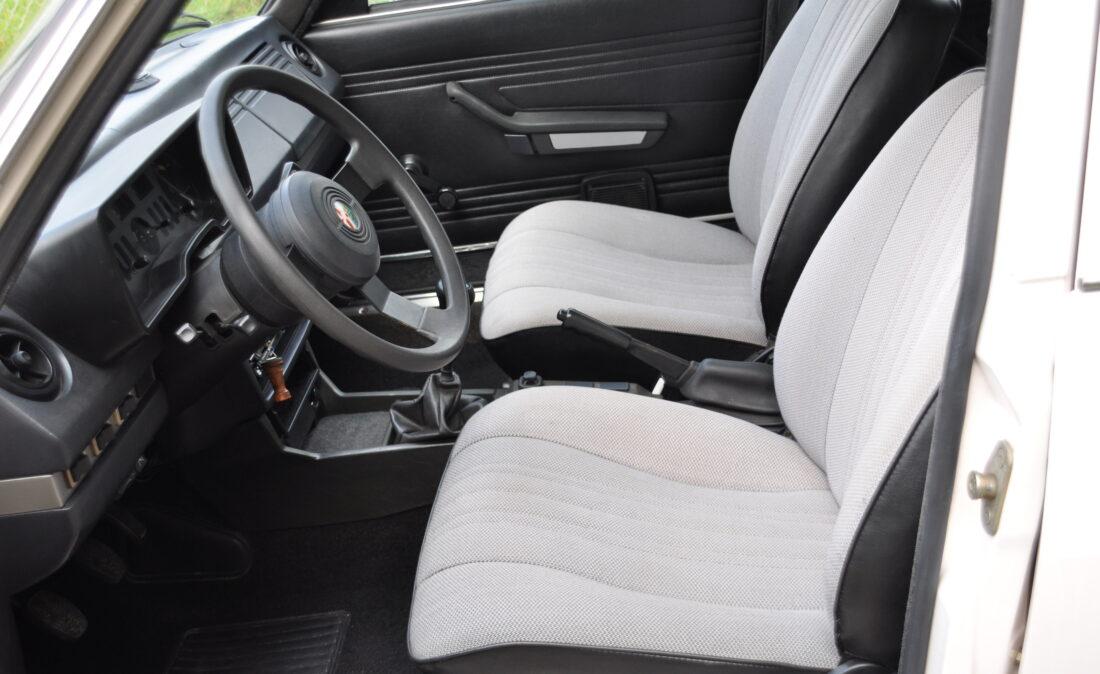 Alfa_Romeo_Alfetta_1.8_ OpenRoad Classic Cars_1 (10)