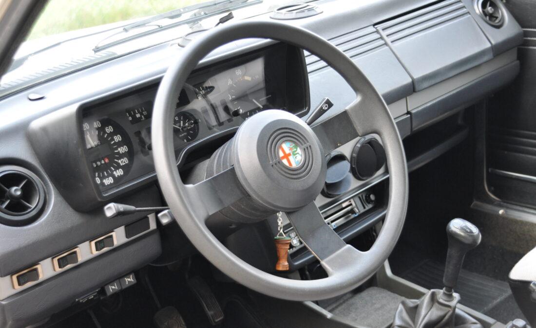 Alfa_Romeo_Alfetta_1.8_ OpenRoad Classic Cars_1 (11)