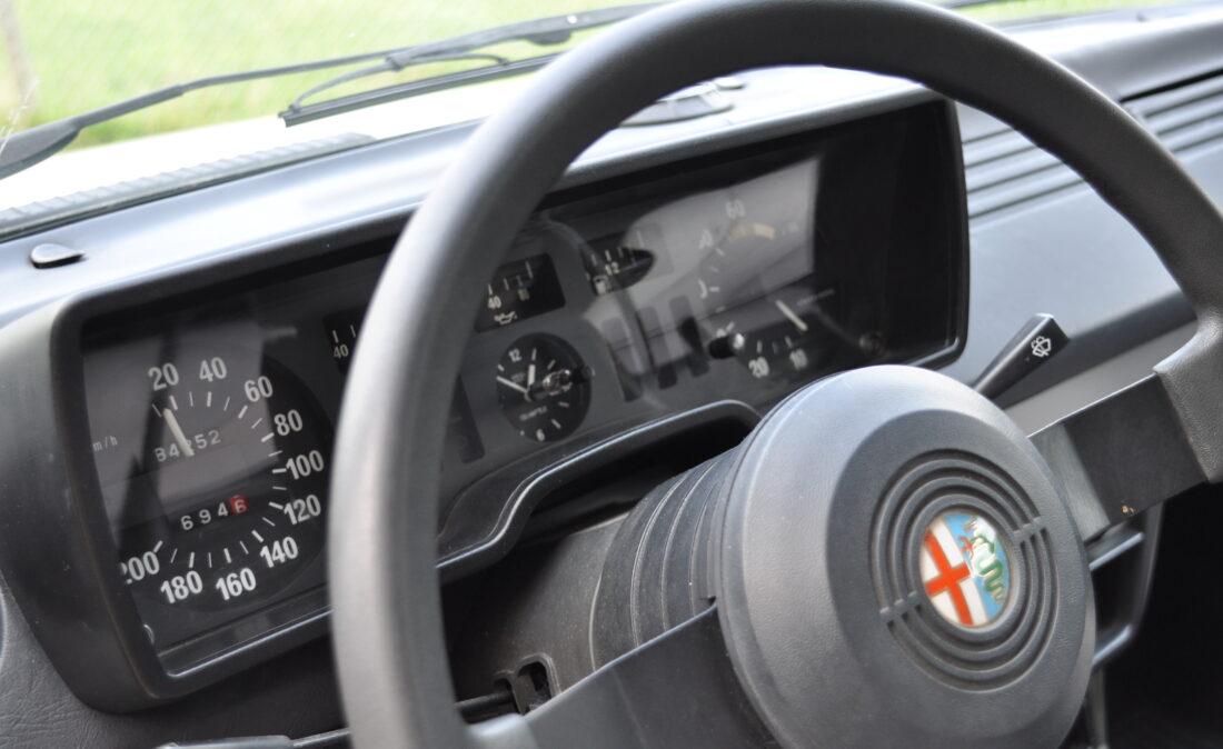 Alfa_Romeo_Alfetta_1.8_ OpenRoad Classic Cars_1 (12)