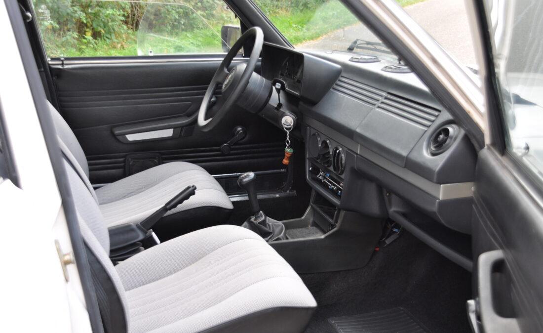 Alfa_Romeo_Alfetta_1.8_ OpenRoad Classic Cars_1 (22)