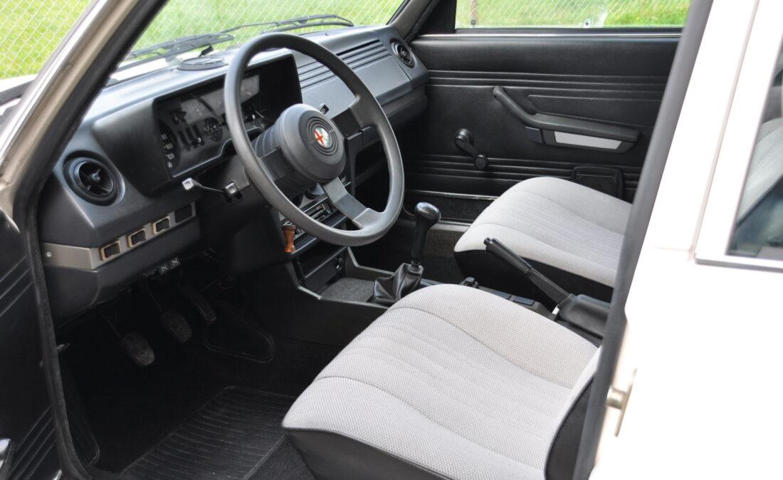 Alfa_Romeo_Alfetta_1.8_ OpenRoad Classic Cars_1 (9)
