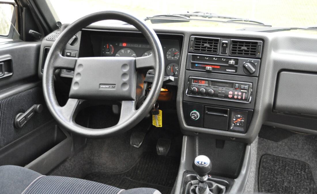 Volvo_360_GLT_OpenRoad_Classic_Cars-BV (14)