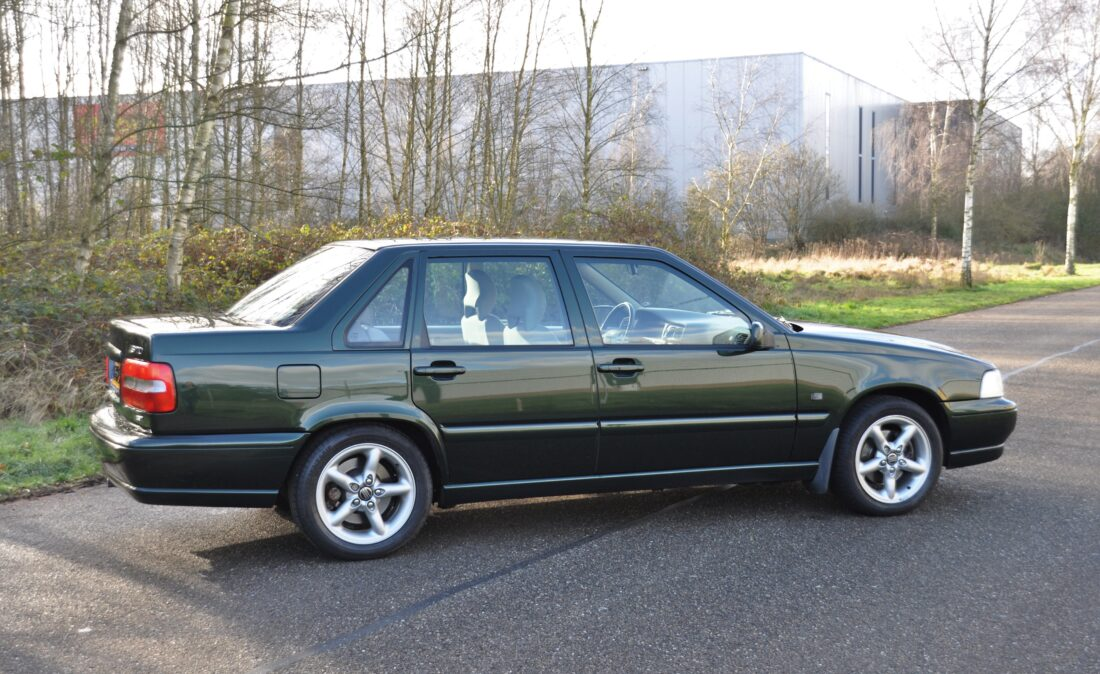 Volvo_S70_2.5T_OpenRoad-Classic Cars (7)