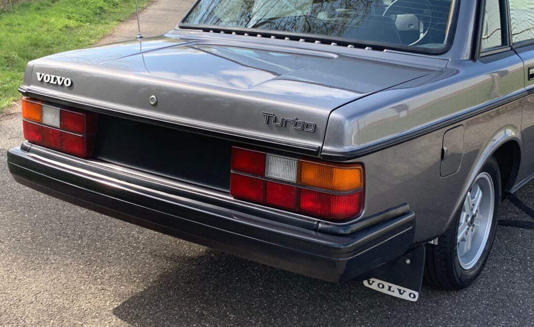 Volvo_240_Turbo_OpenRoad_Classic_Cars (8)
